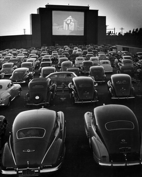 drive-in-theater-at-san-fransisco-by-allan-grant-1948